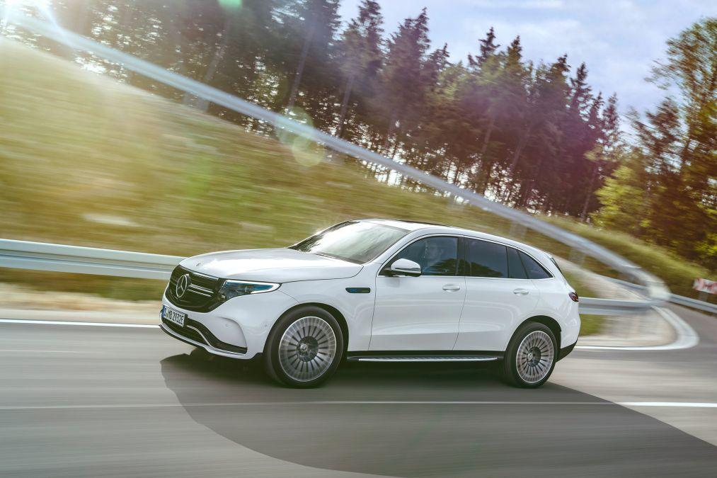Mercedes dementerar lägre produktion
