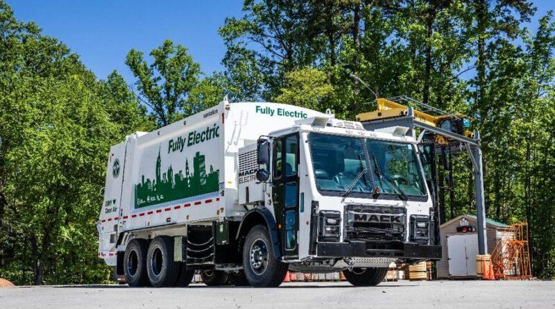 Produktionsstart av helelektriska soplastbilar från Mack Trucks