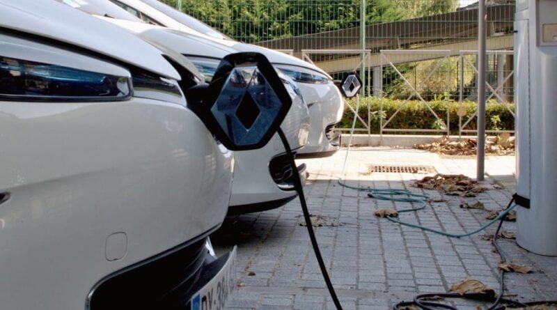 Subventioner stärker elbilsmarknaden