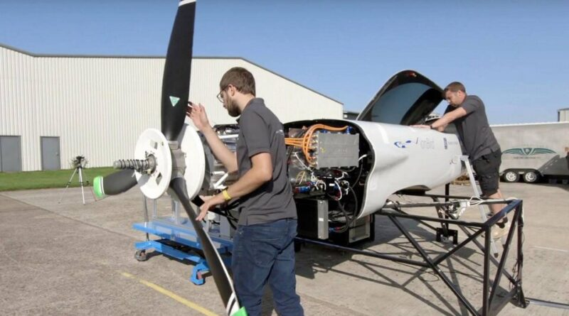 Här marktestar Rolls-Royce sitt eldrivna rekordflygplan
