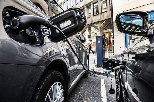 Miljöbonus för bilar pausades efter bugg