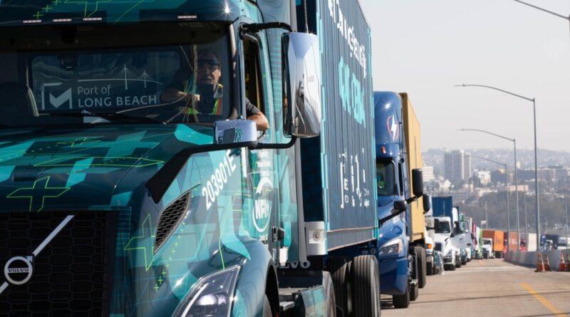Volvokoncernen levererar 70 helelektriska nollutsläppslastbilar i USA