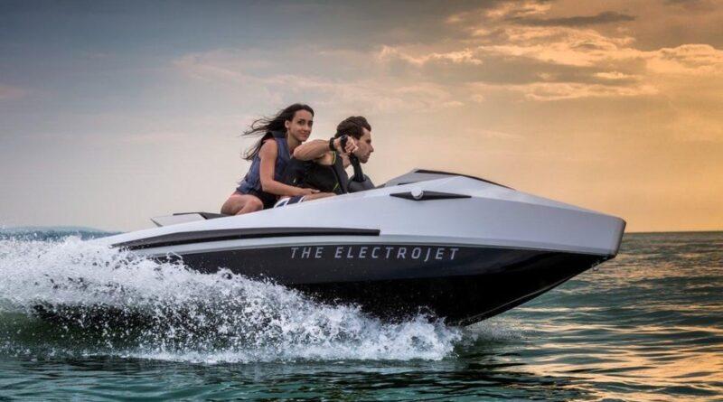 Narke presenterar den eldrivna vattenskotern GT95