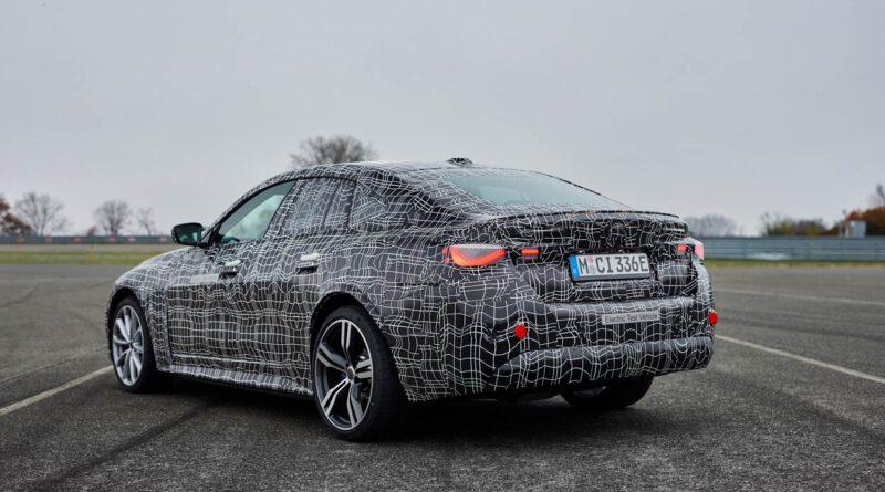 Elbilen BMW i4 på testbanan; sport och komfort i ett