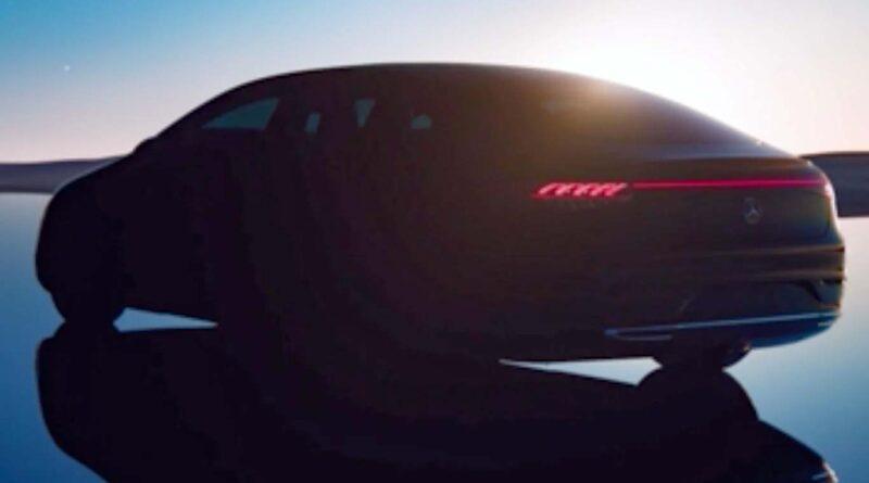 Mercedes smygvisar elbilen EQS – får lyxig digital instrumentbräda