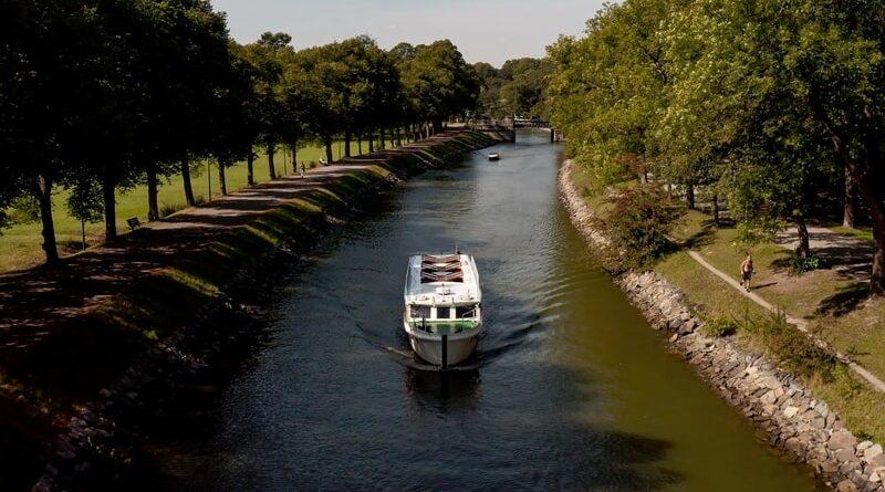 Stockholmsrederi blir först ut med eldrivna båtturer märkta Bra Miljöval